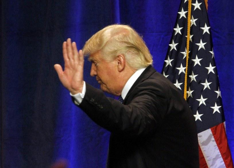Reakcję Donalda Trumpa negatywnie oceniło 51 procent Amerykanów /PAP/EPA