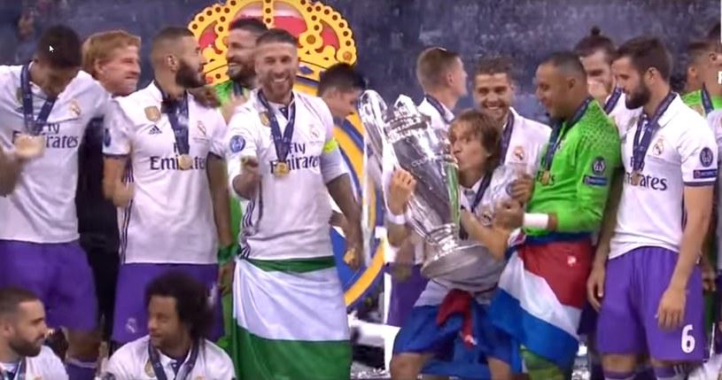 Real Madryt cieszący się ze zdobycia kolejnego pucharu UEFA /PUSTE /INTERIA.PL
