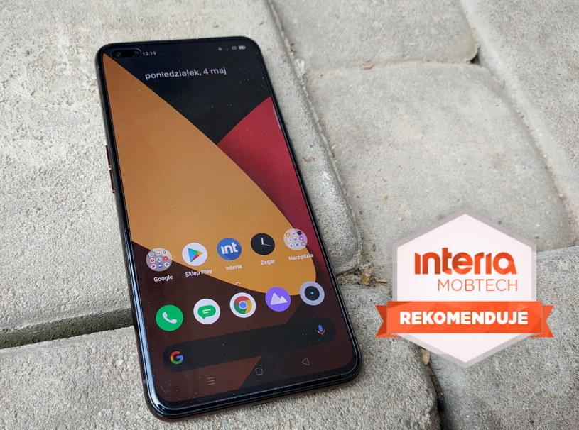 Realme X50 Pro 5G  otrzymuje REKOMENDACJĘ serwisu Interia Mobtech /INTERIA.PL