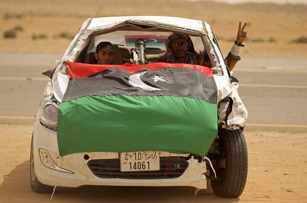 Rebelianci mogą liczyć na poparcie zdecydowanej większości państw świata /AFP