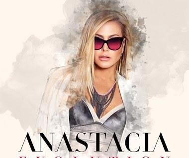 """Recenzja Anastacia """"Evolution"""": Ach, gdzie są niegdysiejsze diwy!"""