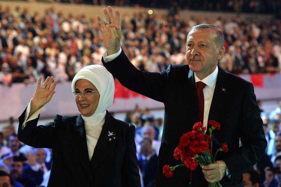 Recep Tayyip Erdogan wraz z małżonką / STR   /PAP/EPA