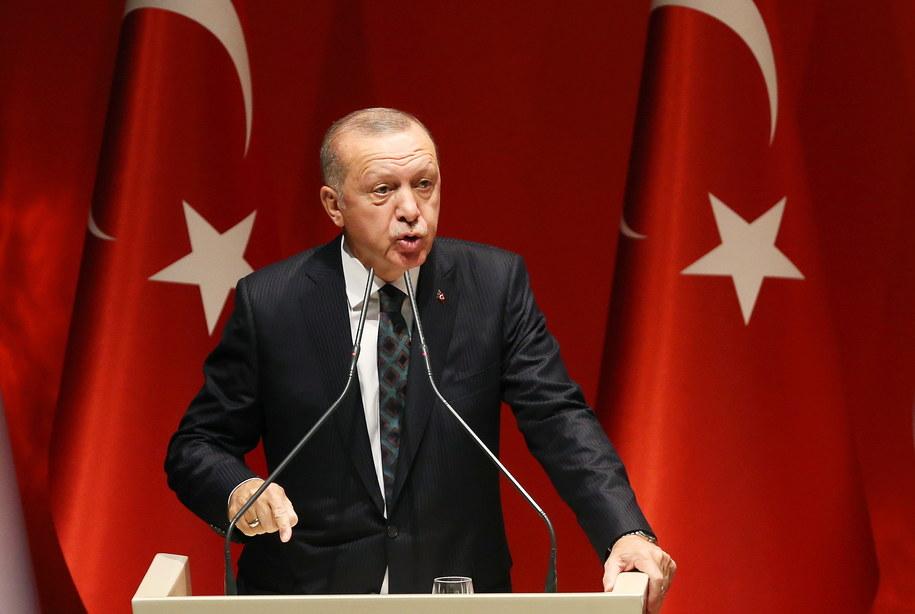 Recep Tayyip Erdogan zagroził, że wyśle do Europy 3,6 mln uchodźców / STR   /PAP/EPA