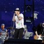"""Red Hot Chili Peppers: Kulisy przyjęcia """"młodego"""". Fragment książki!"""