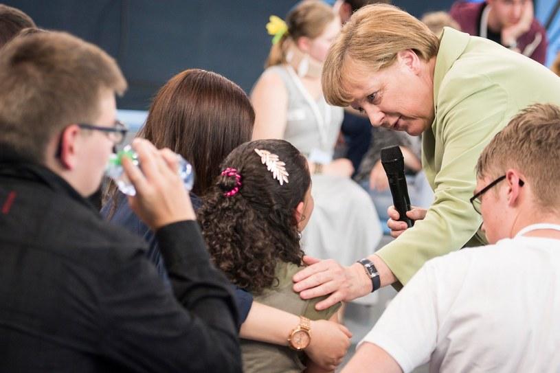 Reem Sahwil i Angela Merkel /AFP