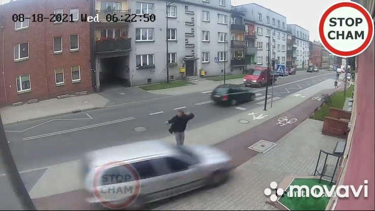 Refleks uratował życie pieszemu /Stop Cham /YouTube