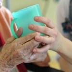 Reforma opieki całodobowej w Niemczech: Czy w końcu uregulują szarą strefę?