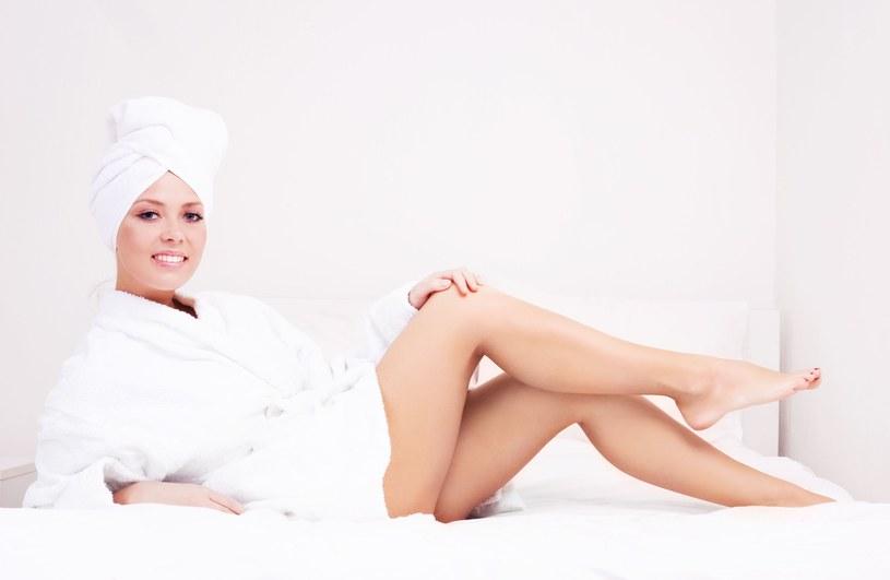 Regenerująca mikstura - nawilża i wzmacnia skórę osłabioną np. nadmiernym opalaniem /123RF/PICSEL