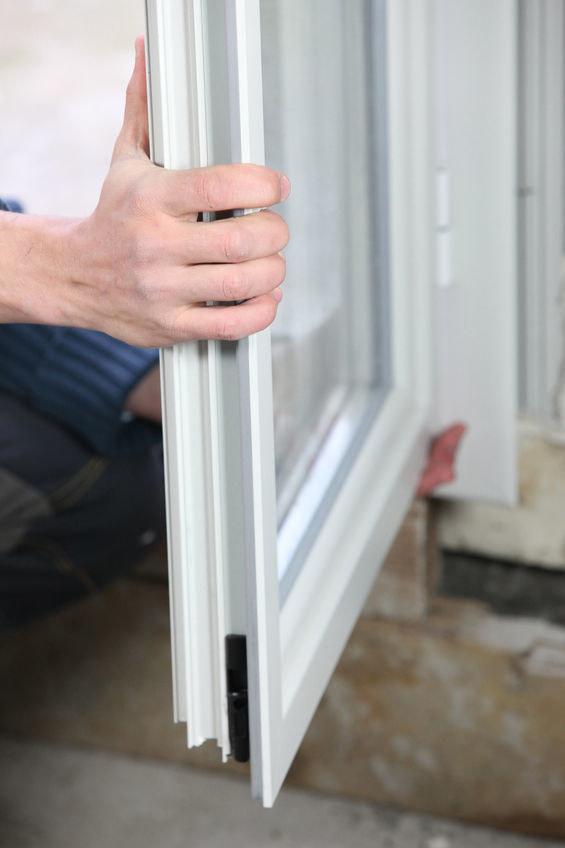 Regulacja okna /©123RF/PICSEL