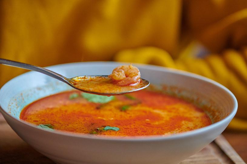 Regularne dodawanie curry do potraw zwiększa u kobiet libido oraz niweluje przykre dolegliwości osłabiające zwykle apetyt na seks /123RF/PICSEL