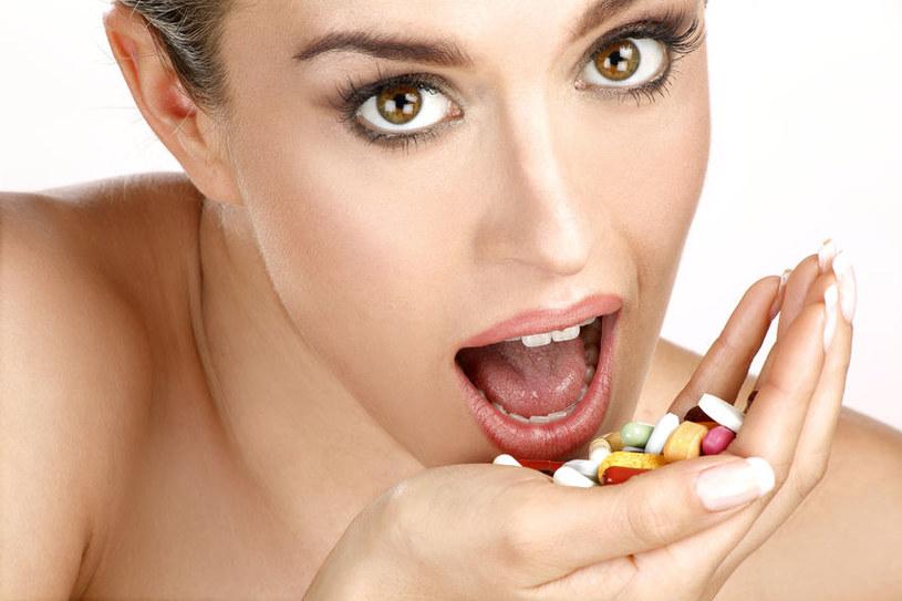 Regularne zażywanie kompleksów witamin i minerałów przez zdrowych ludzi nie przynosi żadnych korzyści /123RF/PICSEL