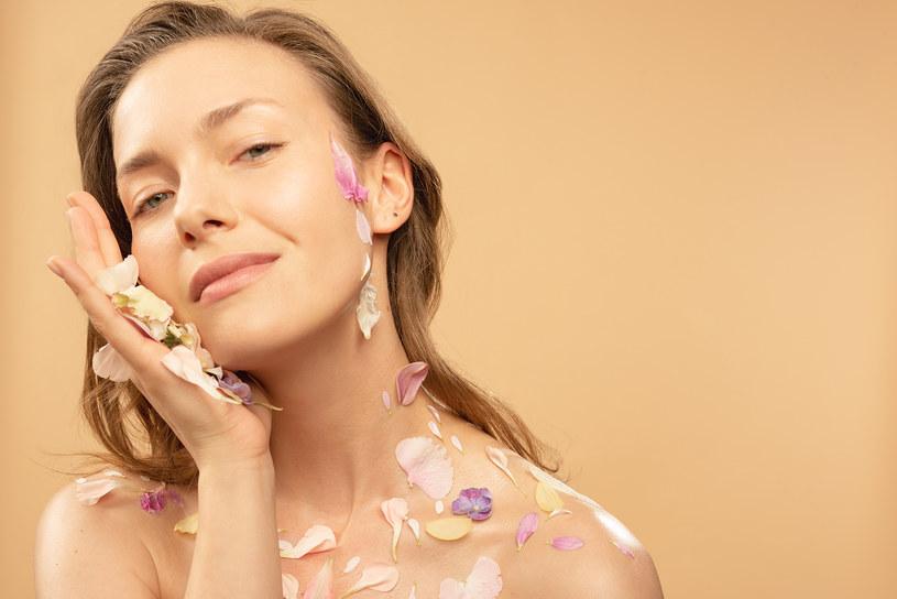 Regulujący hydro krem Flower Power sprawdzi się dla każdej skóry /materiały prasowe