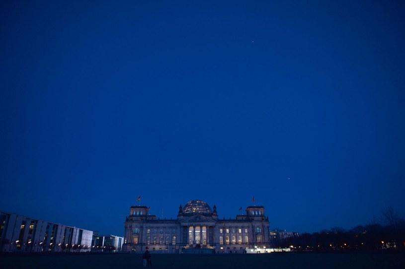 Reichstag w Berlinie - miejsce obrad Bundestagu (izby niższej parlamentu Niemiec) /AFP