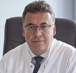 profesor medycyny, jeden z najwybitniejszych okulistów w Europie. Kierownik Kliniki Okulistyki Ogólnej z Pododdziałem Okulistyki Dziecięcej Katedry Okulistyki UM w Lublinie. Specjalizuje się w zakresie chirurgii zaćmy, chirurgii witreoretinalnej ciała szklistego i siatkówki.