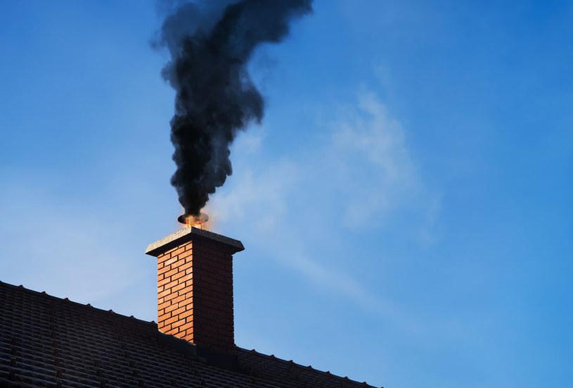 Rejestr źródeł ciepła pomoże w walce ze smogiem /123RF/PICSEL