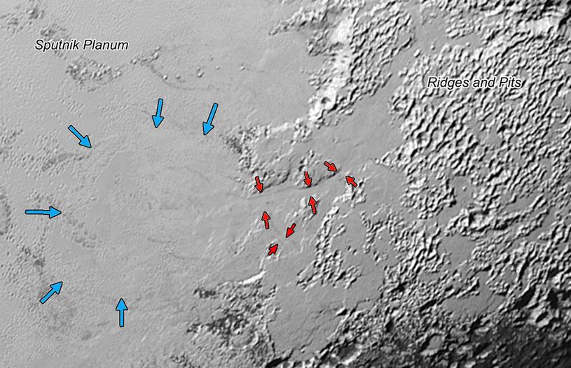 Rejon Sputnik Planum, gdzie naukowcy znaleźli ślady spływającego lodowca /NASA