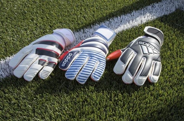 Rękawice z kolekcji Adidas History Pack /materiały prasowe