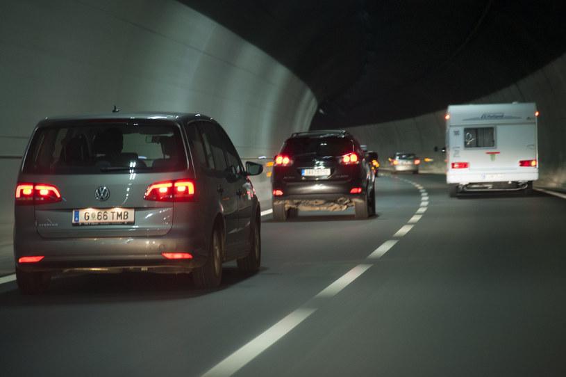 Reklama  Polska może pozazdrościć liczby tuneli drogowych Austrii czy Włochom /Wojciech Stróżyk /Reporter