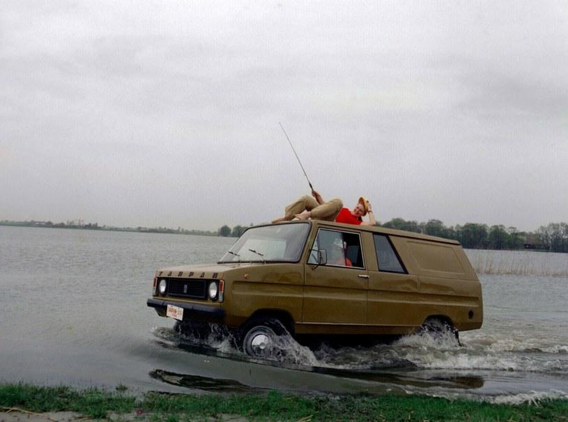 Reklama samochodu Tarpan Honker z lat 70-tych /INPLUS/East News /Agencja SE/East News