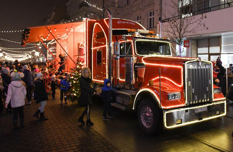 Reklamy świąteczne Coca-Coli zapoczątkowały modę na tego typu spoty /ANDRZEJ ZBRANIECKI /East News