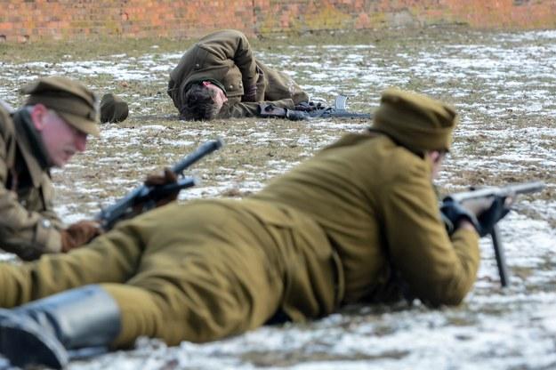 Rekonstrukcja starcia zbrojnego żołnierzy podziemia komunistycznego /Mariusz Gaczyński /East News
