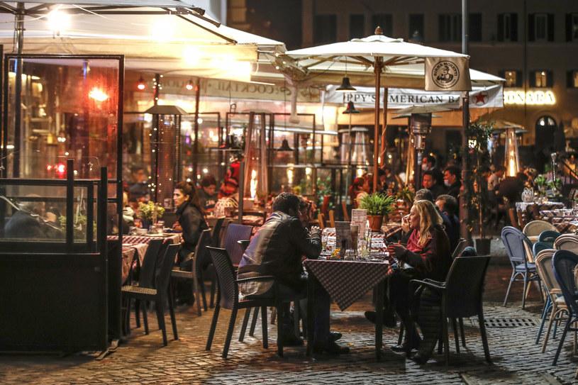 Rekordowe wpływy w restauracjach w Rzymie po złagodzeniu restrykcji /AP/Associated Press /East News