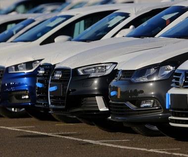 Rekordowo drogie samochody. Kogo na nie stać?