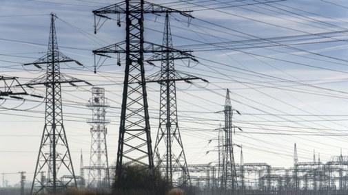 Rekordowy spadek wytwarzania prądu z węgla na świecie. Ceny energii w dół