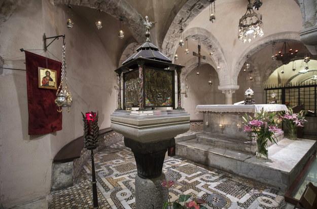 Relikwie św. Mikołaja – czczonego zarówno przez katolików, jak i prawosławnych - przechowywane są w Bari od 1087 roku /Mikhail Japaridze   /PAP/EPA