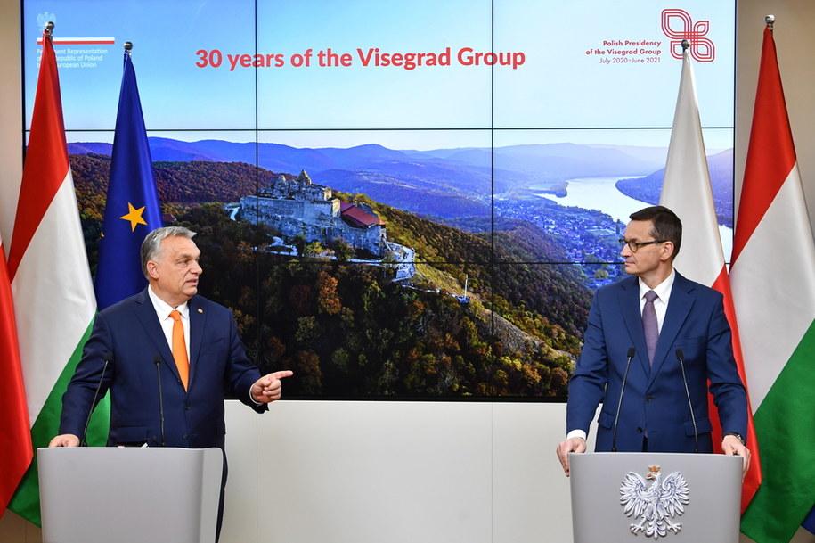 remier RP Mateusz Morawiecki i premier Węgier Viktor Orban podczas konferencji prasowej / Radek Pietruszka   /PAP