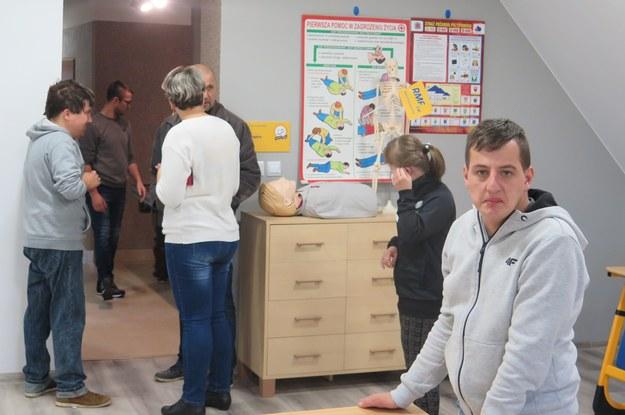 Remiza strażacka stała się centrum wioski, miejscem wspólnych spotkań. /Maciej Pałahicki /RMF FM