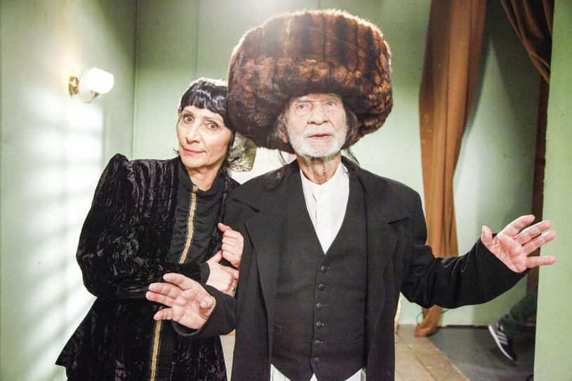 """Renata Pałys i Ryszard Kotys na planie """"Świata według Kiepskich"""" /Telus /AKPA"""