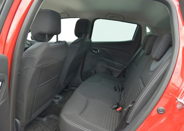renault clio fotele tył /Motor