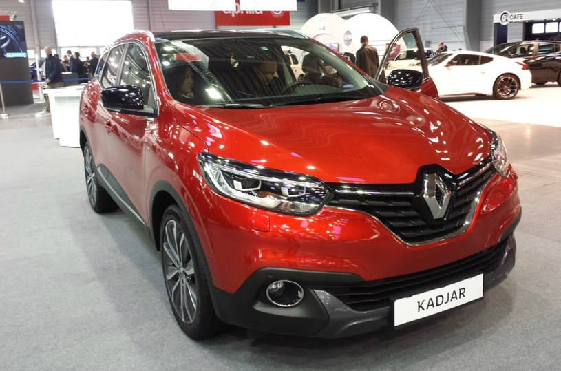 renault espace i kadjar z tabletami i system r link 2. Black Bedroom Furniture Sets. Home Design Ideas