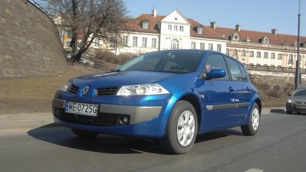 Renault Megane II - kusi niską ceną i bogatym wyposażeniem. /Motor
