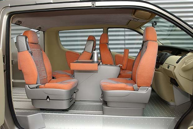 Renault Trafic Deck'up (kliknij) /INTERIA.PL