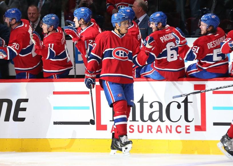 Rene Bourque odbiera gratulacje od kolegów z Montreal Canadiens /AFP