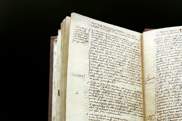 Replika manuskryptu dziennika pokładowego Krzysztofa Kolumba z pierwszej wyprawy do Ameryki /