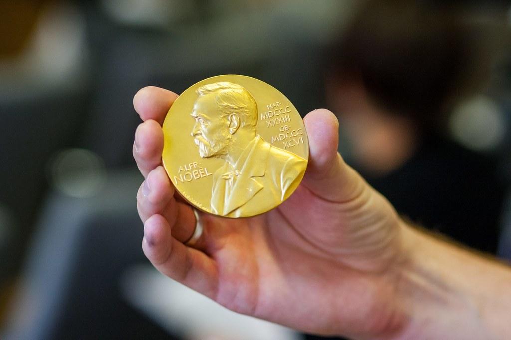 Replika medalu noblowskiego dla Henryka Sienkiewicza //PAP