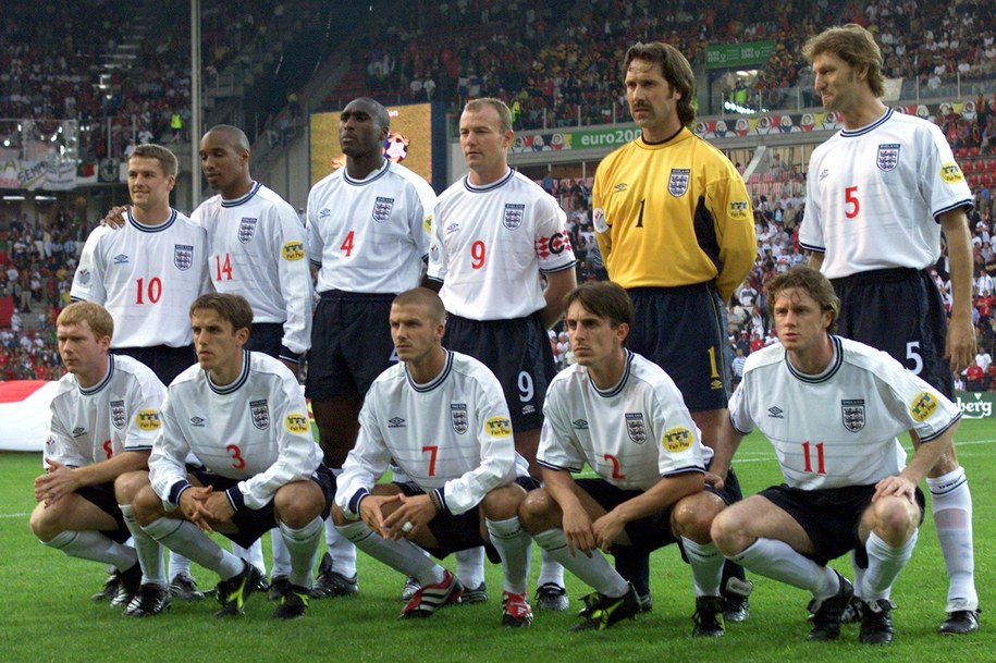 Reprezentacja Anglii w 2000 roku /ANJA NIEDRINGHAUS /PAP/EPA