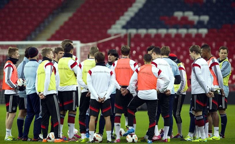 Reprezentacja Niemiec podczas treningu na stadionie Wembley /AFP