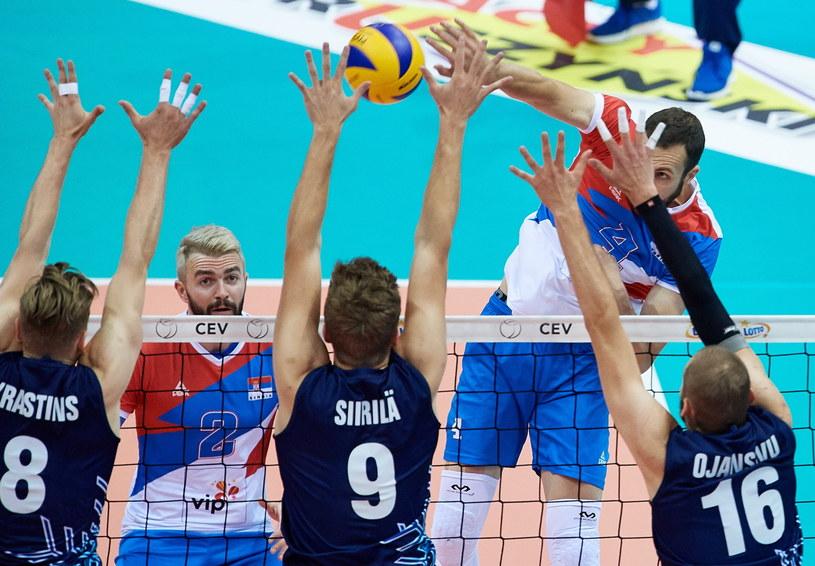 Reprezentanci Serbii Nemanja Petric (P) i Uros Kovacevic (2L) oraz Elviss Krastins (L), Tommi Siirila (C) i Olli-Pekka Ojansivu (P) z Finlandii /Adam Warżawa /PAP