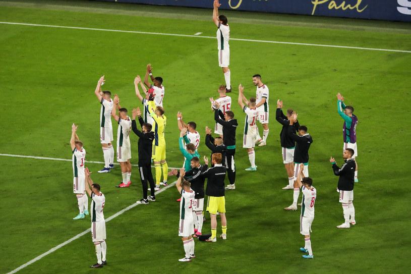 Reprezentanci Węgier po meczu z Niemcami podziękowali oklaskami za doping kibiców. Sami także zasłużyli na owacje /Shan Yuqi/Xinhua News/East News /East News
