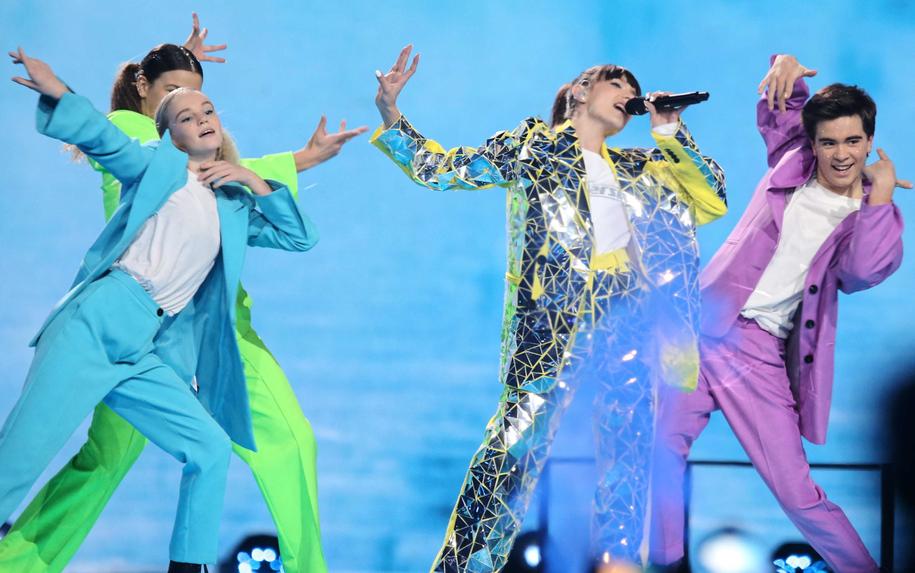 Reprezentująca Polskę Viki Gabor podczas koncertu finałowego konkursu Eurowizja Junior 2019 w Gliwicach / Andrzej Grygiel    /PAP