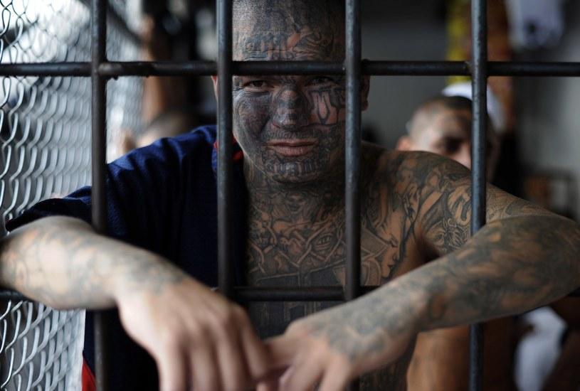 Resocjalizacja to puste słowo. Osadzeni w więzieniu tylko przyczyniają się do wzmocnienia pozycji grupy przestępczej. /AFP