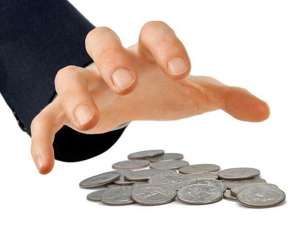 Resort finansów przygotowuje rozwiązanie, które ograniczy samorządom możliwość zaciągania kredytów /© Panthermedia