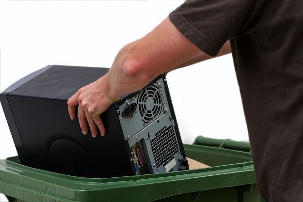 Resort środowiska chce ukrócić amatorski demontaż elektronicznych urządzeń /©123RF/PICSEL