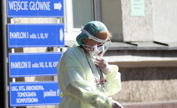Resort zdrowia koryguje informacje nt. liczby zgonów z powodu koronawirusa