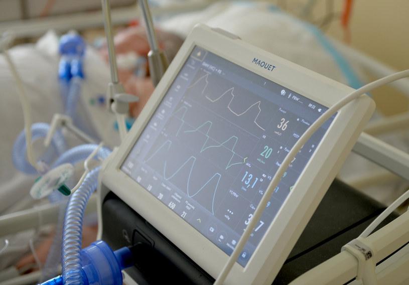 Resort zdrowia podał najnowsze dane o zakażeniach koronawirusem w Polsce /LUKASZ SOLSKI /East News