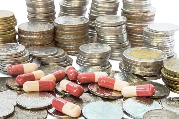 Resort zdrowia proponuje zmianę w ustawie refundacyjnej /©123RF/PICSEL